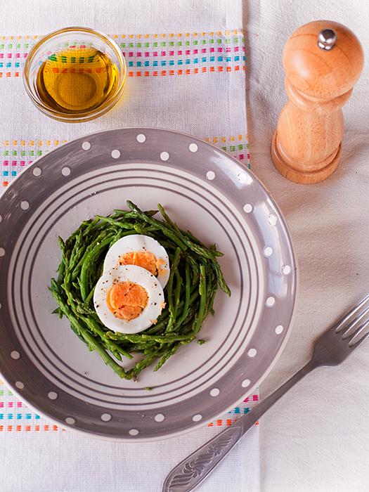 Šparoge i jaja